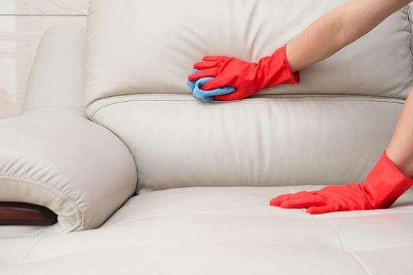 تمیز کردن مبل ها نزدیک به عید