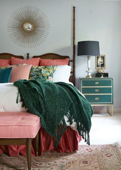 پرطرفدارترین رنگ ها برای اتاق خواب دخترانه پرطرفدارترین رنگ ها برای اتاق خواب دخترانه تلفیق رنگهای صورتی،مشکی و طلایی