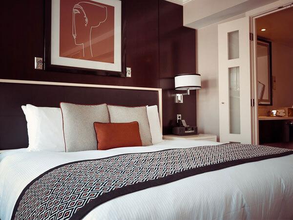 اتاق خواب با رنگ تیره
