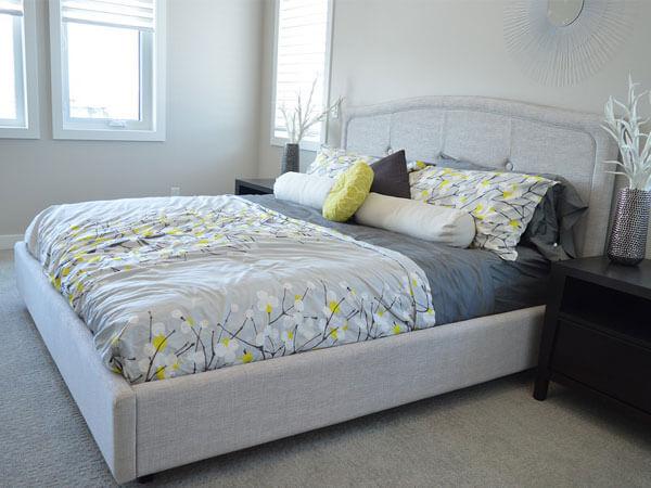 تخت خواب با ترکیب رنگ زیبا