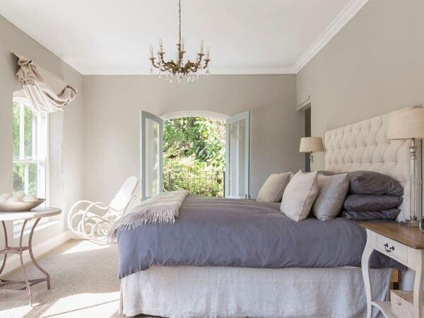 اتاق خواب با رنگ روشن