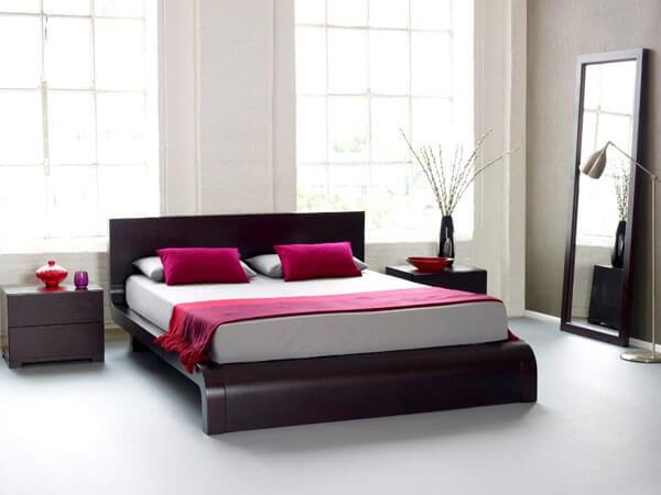 اتاق خواب ترکیب رنگ قرمز و سفید ایجاد نظم و کم کردن رخت و پاش و بی نظمی