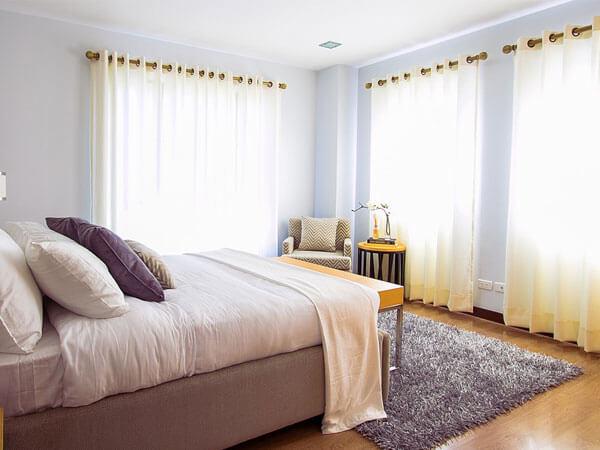 تخت خواب زیبا و شیک با رنگ بسیار زیبا