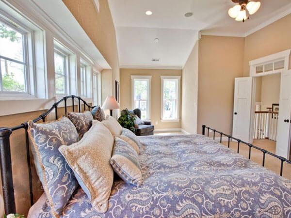 اتاق خواب بزرگ برای خواب عروس