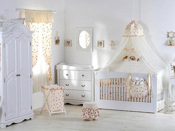 خواب کودکانه با تم روشن دکوراسیون اتاق دخترانه