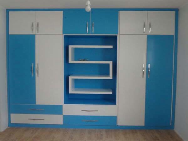 رنگ آبی شاد و زیبا برای اتاق خواب کودک انواع کمد دیواری در رنگ های شاد مناسب روحیه کودکان