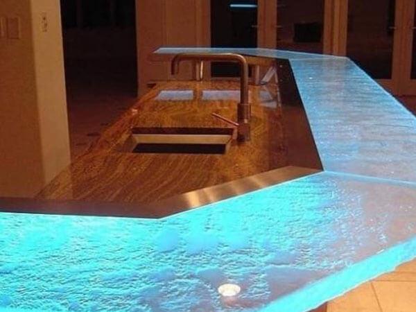 میز مدریت با ترکیب چوب و رزین