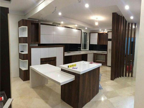 جزیره شیک و ساده آشپزخانه