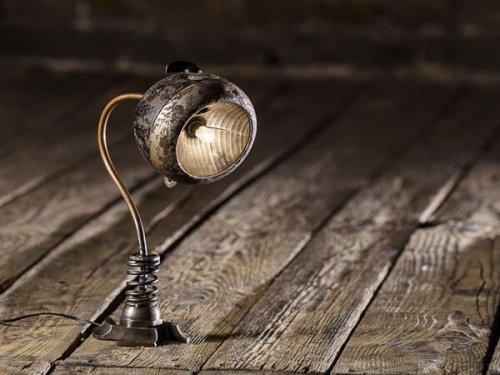 چراغ به سبک قدیمی