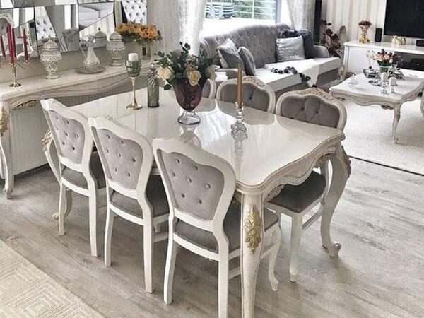 میز با شکل مستطیل و رنگ خنثی