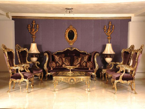 دکوراسیون پذیرایی با مبلمان قهوه ایی رنگ تفاوت مبل سلطنتی و مبل کلاسیک