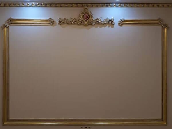 پتینه ورق طلا در دیوار