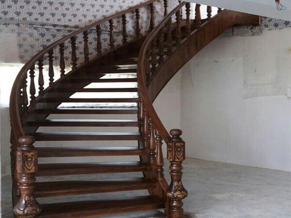 مدل چوبی پلههای گرد