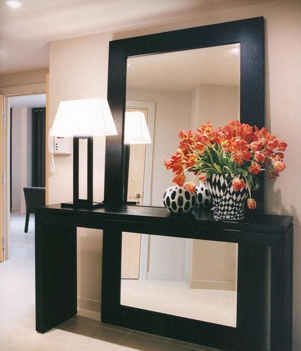 آینه و کنسول مدرن