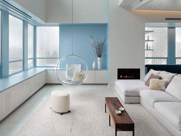 مبلمان سفید در دکور داخلی دکور آبی برای فضاهای کوچک