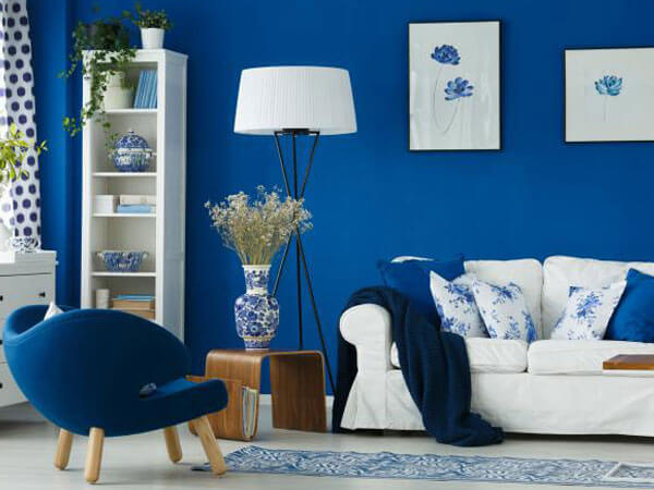 ترکیب آبی و سفید در پذیرایی