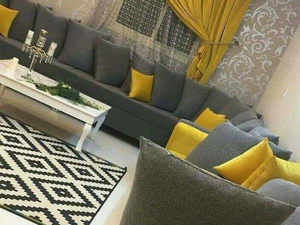 استفاده از دو ترکیب زرد و خاکستری در دکور پذیرایی