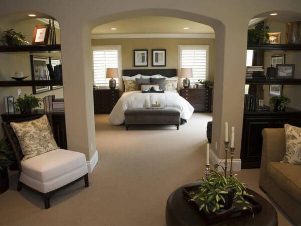 جداکردن فضای پذیرایی در مستر روم بخش نشیمن در اتاق خواب مستر