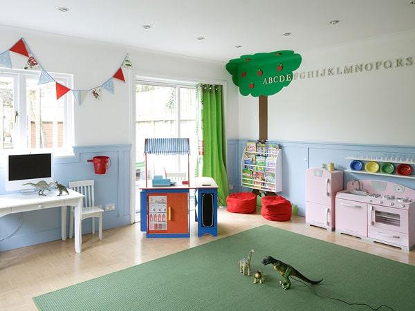 اتاق بزرگ برای بازی و سرگرمی کودک در منزل