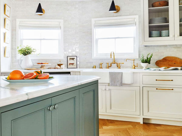 کابینت آشپزخانه سفید رنگ