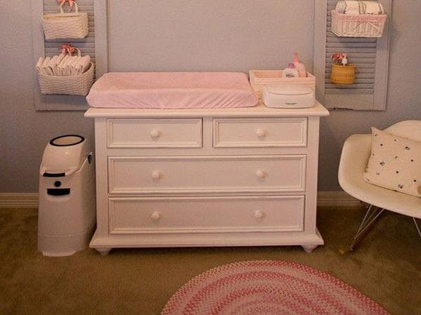 محل تعویض پوشک در اتاق لوازم و فضاهای ضروری اتاق کودک