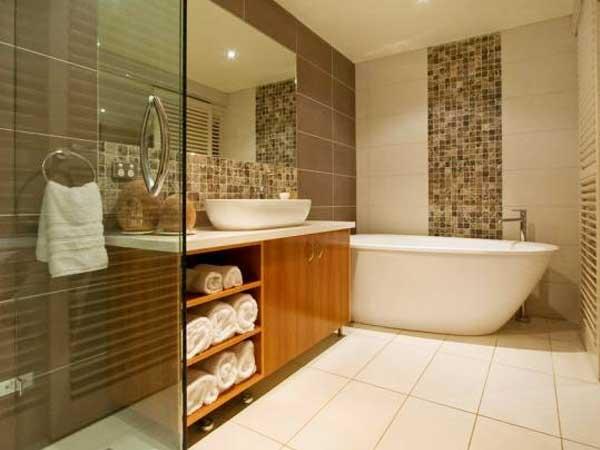 مدل حمامهای جدید نصب جالباسی و جا حوله