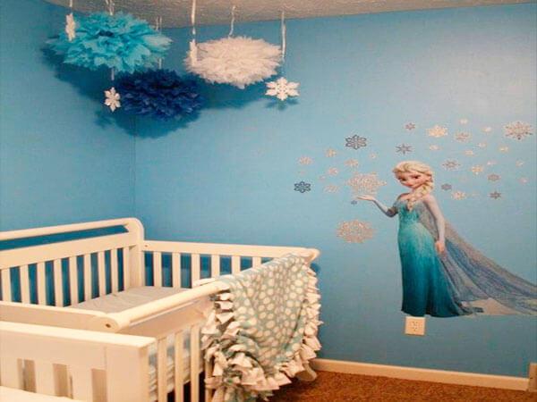 کاغذ دیواری اتاق کودک با طرح دخترانه