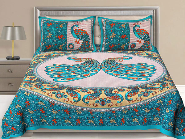 رو تختی مدل سنتی رنگ ایده آل برای رو تختی با رنگ های شاد