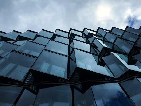 نمای ساختمان سرعت بالای اجرای نمای کراتین وال طراحی زیبای سه بعدی