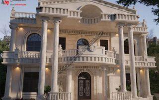 طراحی شیک و لوکس سبک کلاسیک با طرح سنگی و رومی دارای موقعیت دسترسی جنوبی و دوطبقه تمام دوبلکس بوده و بسیار زیبا است