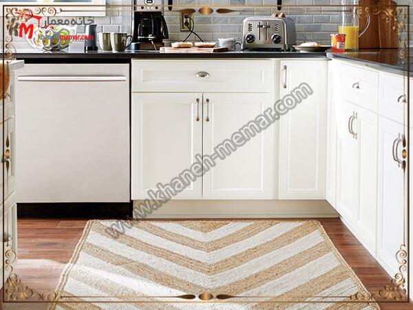 طرح های مثلثی استفاده شده برای فرش داخل آشپزخانه