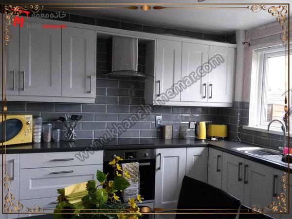 کاشی آشپزخانه با رنگ تیره کاشی آشپزخانه ساده باشد یا طرح دار؟
