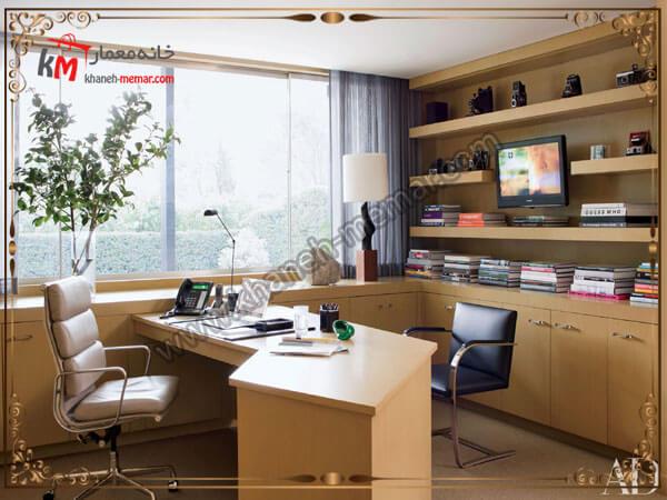 دفتر کار با پنجره ای نورگیر